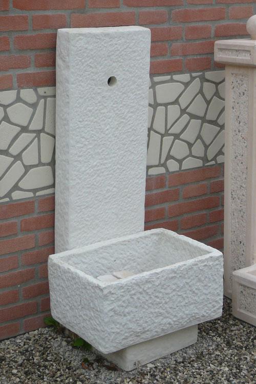 Realizzazione fontane vasche e lavandini in pietra marmo for Complementi da giardino